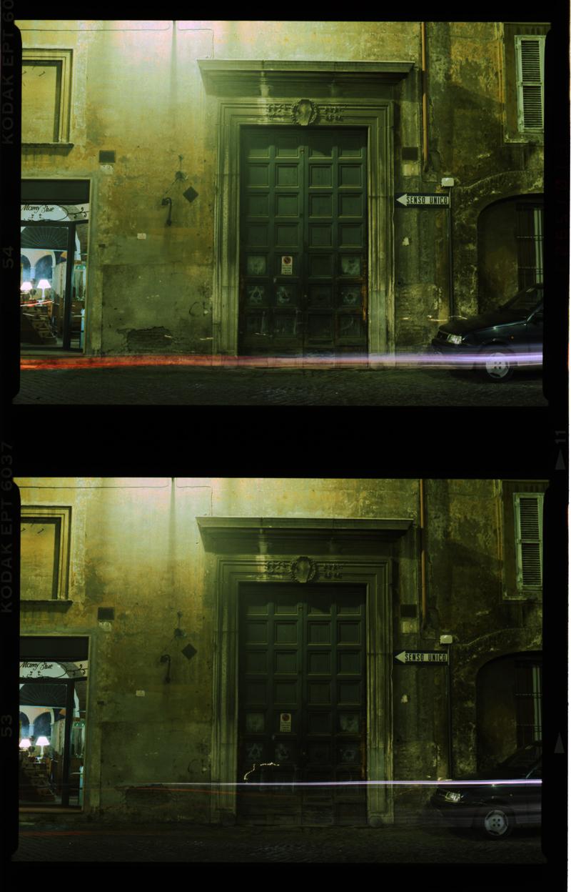 vicino alla Piazza Mattei - Roma Novembre 1995 Gordon Brent Ingram