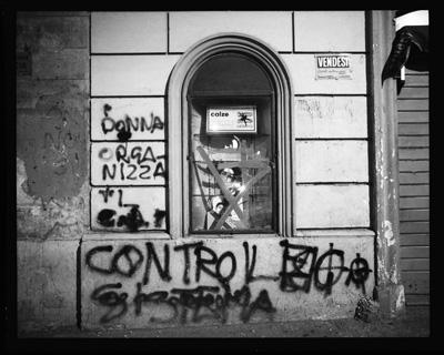 VENDESI Vicolo dei Governo Vecchio Roma Novembre 1986 Gordon Brent Ingram