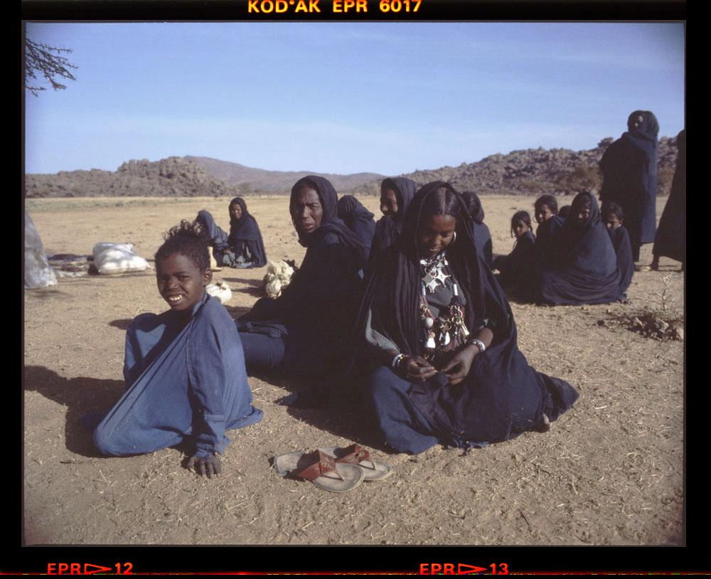 herb sellers - Egharghar - Bagzane Plateau - Air Mountains - Niger November 1986 by Gordon Brent Ingram (2)
