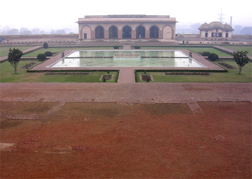Pool and pavilian in winter, Lahore Fort, Lahore, Pakistan, 16 January, 2004, photograph by Gordon Brent Ingram