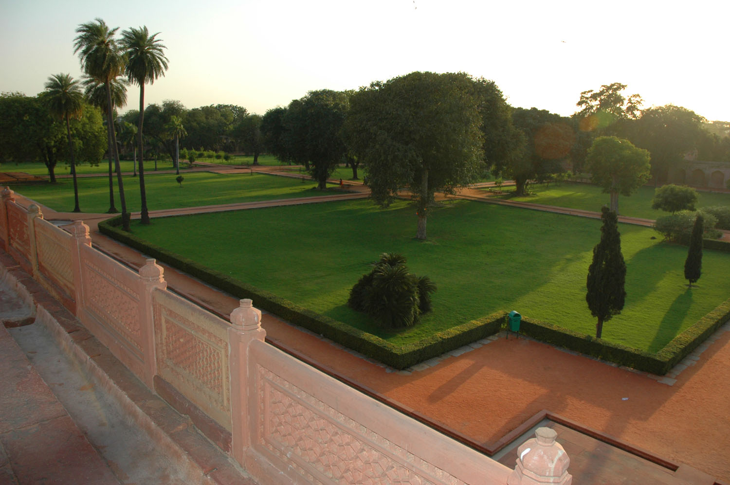 The perpendicular angles of the charbagh from the terrace of Humayun's Tomb complex, New Delhi, 5 March, 2007, photograph by Gordon Brent Ingram