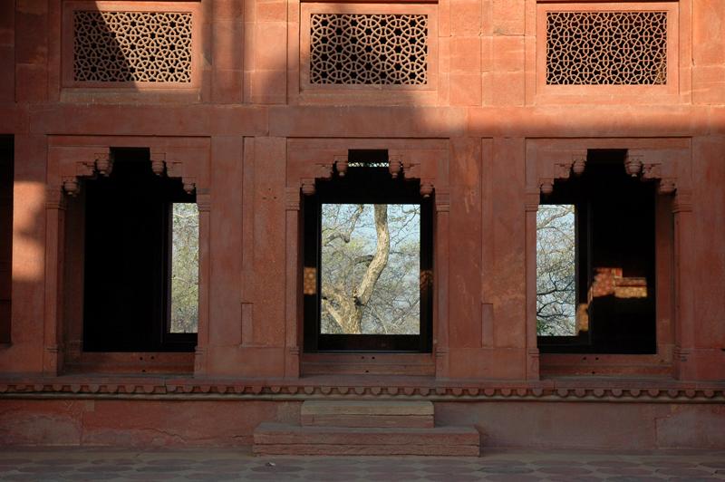 Ankh Michauli, Fatehpur Sikri, Uttar Pradesh, 18 March, 2007, photograph by Gordon Brent Ingram