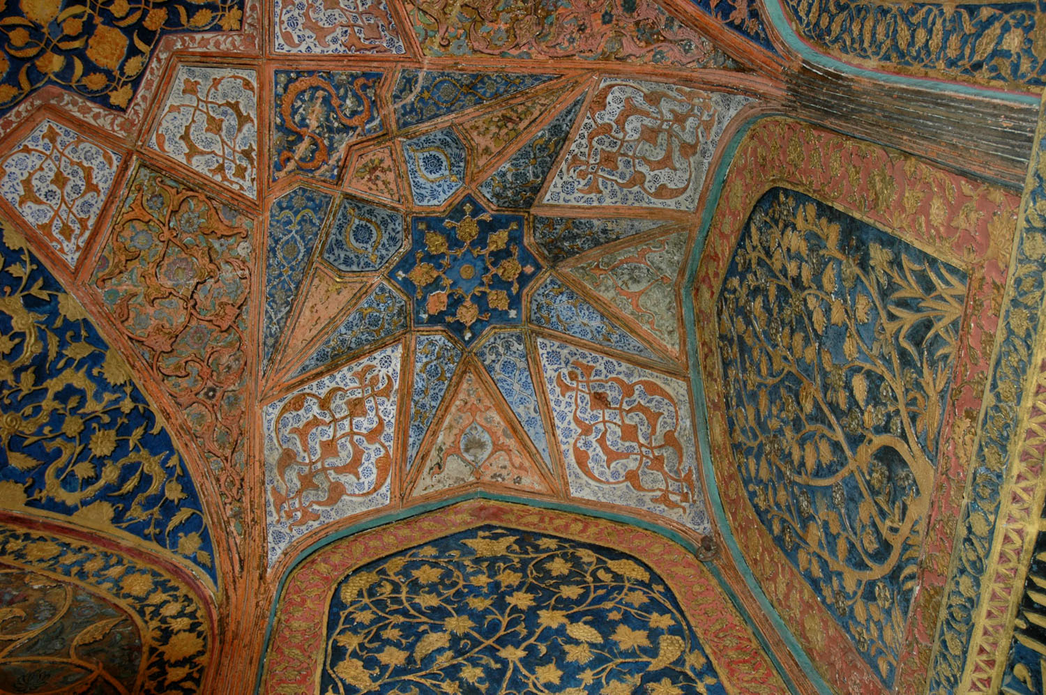 Floral detail on a ceiling and on walls, Sekandra, Akbar's Tomb, Agra, Uttar Pradesh, 18 March, 2007, photograph by Gordon Brent Ingram